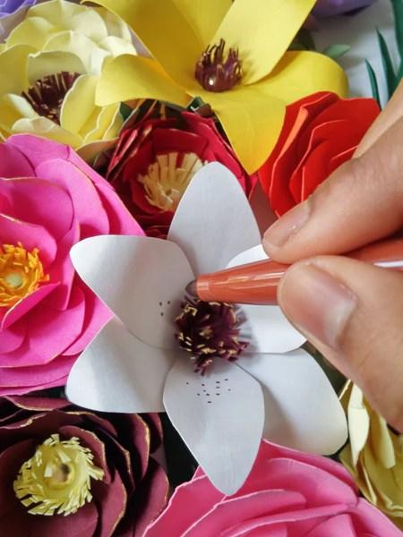 DIY Customisation des fleurs en papier