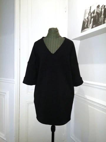 Robe en laine sur mannequin