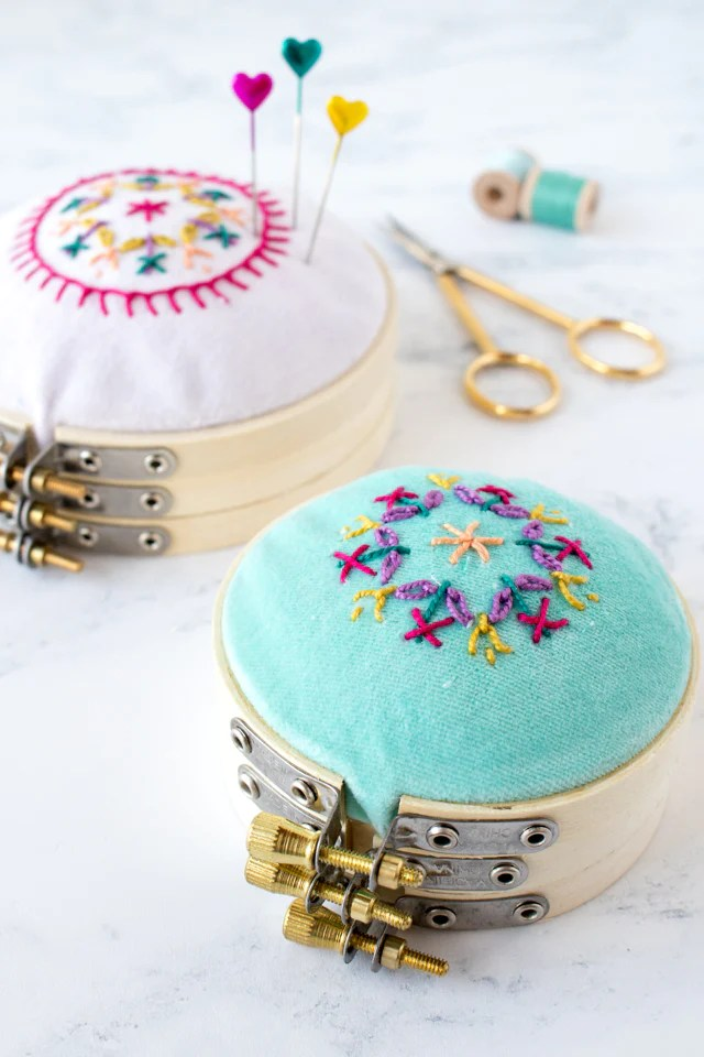 How to make a pretty embroidery hoop pincushion