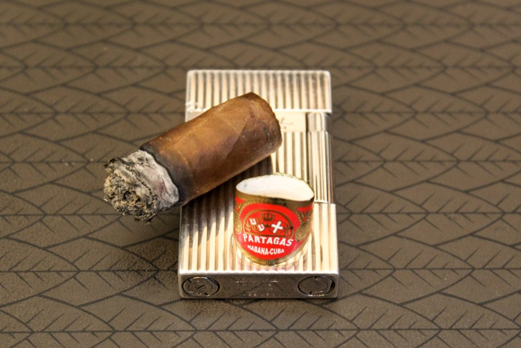 The final puff of the Partagas Shorts