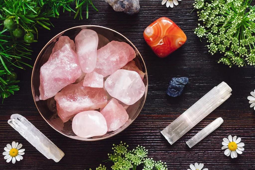 rose quartz in the bathroom