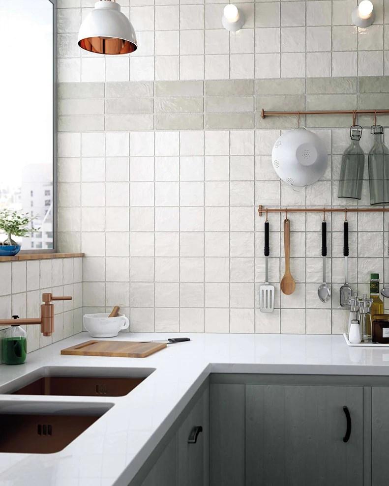 7 Trendy 21st Century Minimalist Kitchen Tile Ideas