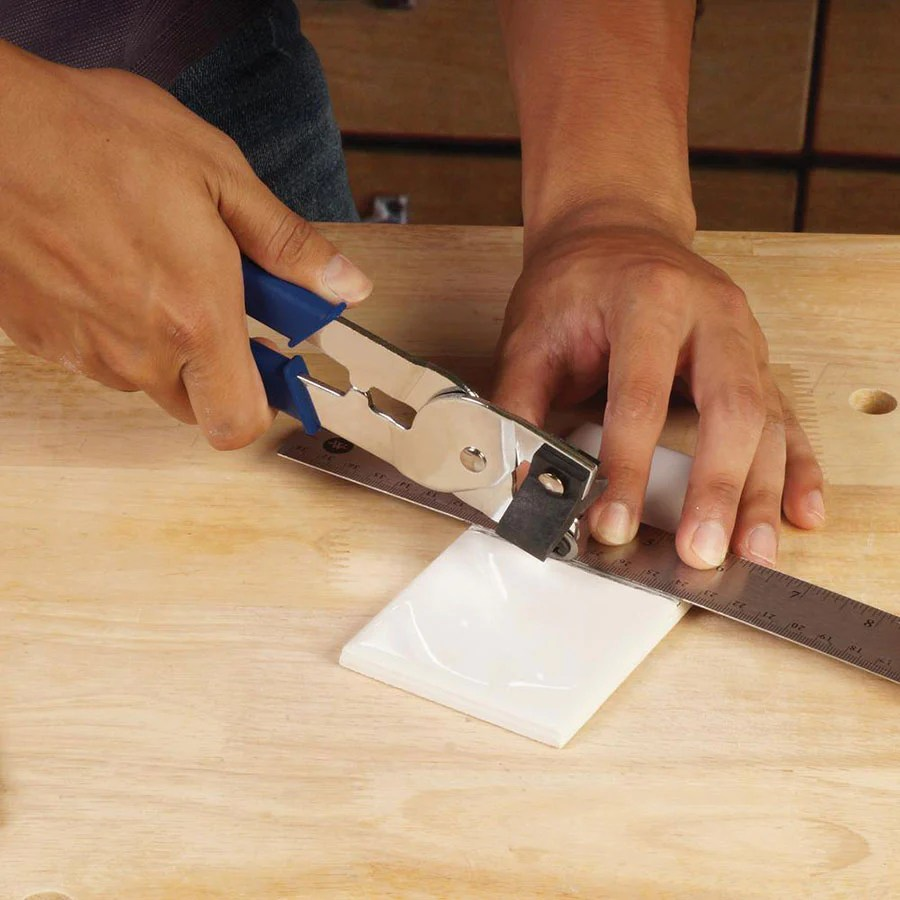 how to cut tiles the best tools