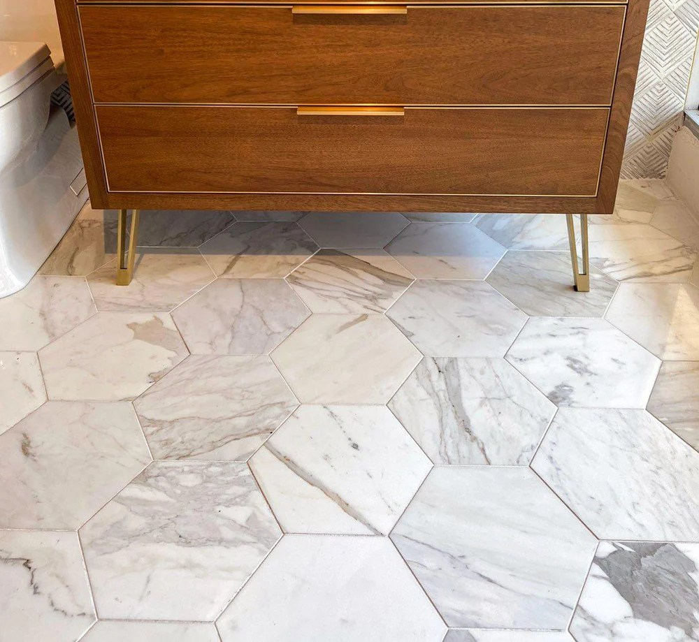 calacatta gold marble tile design ideas