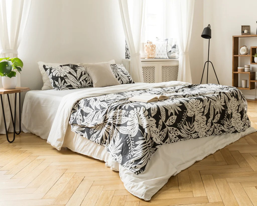 The Difference Between A Duvet And A Comforter