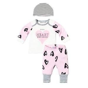 Set Bluza pantaloni caciulita bebe fete: bluză alb cu roz, cu mânecă lungă, cu deschizătură la gât, pantaloni roz cu model și căciuliță în dungi. Compoziție: 100% bumbac.Mărimi pentru 0-24 luni.