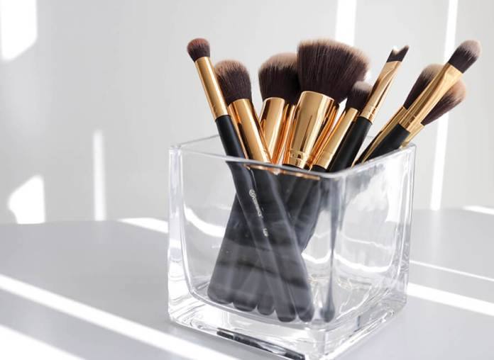 Makeup Brushes Why They May Be Causing Your Skin Problems Love Hair