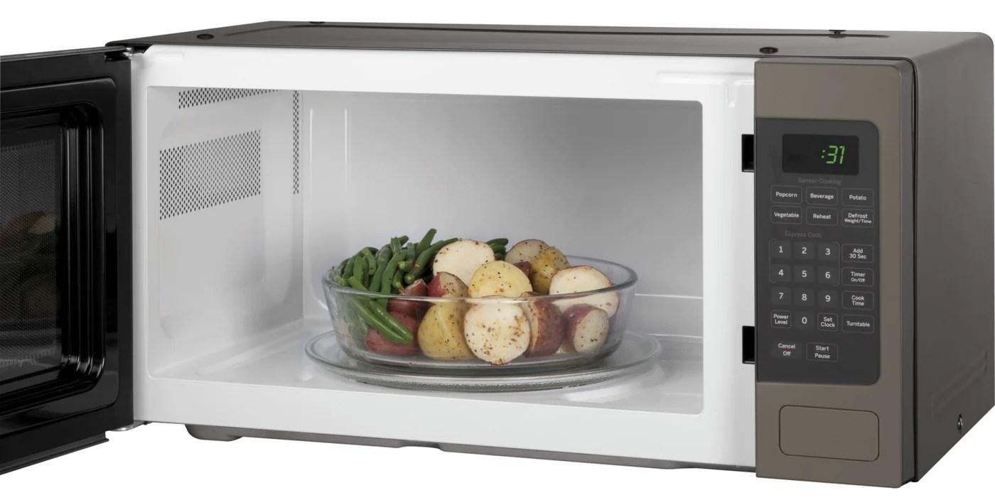 https www leons ca products ge profile slate countertop microwave 11 cu ft pem10slfc