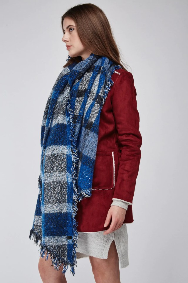 Check Scarves for the winter: Up the Look