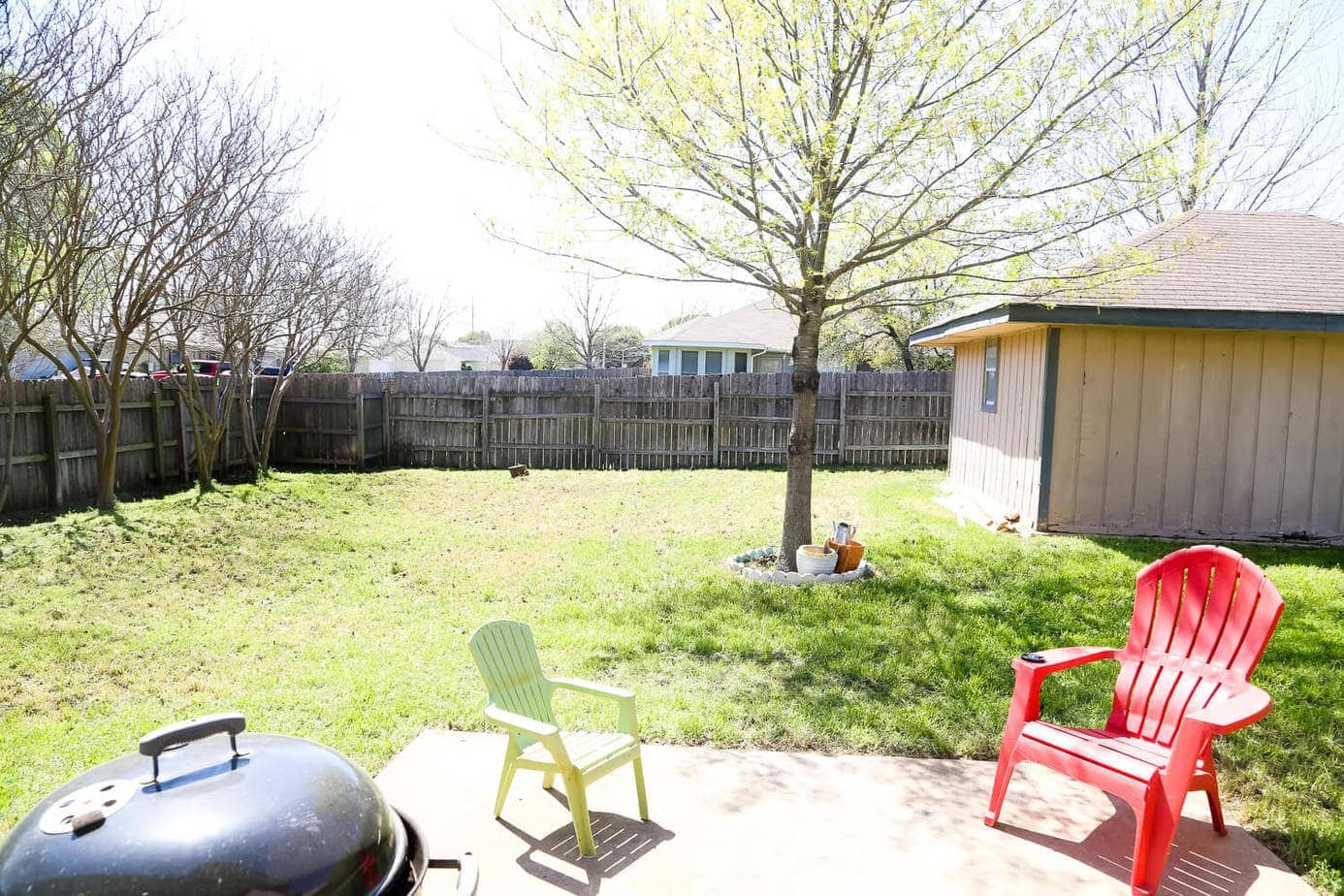 Easy Backyard Makeover - The Before // Love & Renovations on Backyard Patio Makeover id=39119