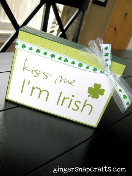 St Patricks Day Decor Ideas - Kiss Me I'm Irish Block - DIY St. Patrick's Day Party Decorations and Home Decor Crafts - Projects for Walls, Hanging Banners, Wreaths, Tabletop Centerpieces and Party Favors - Green Shamrocks, Leprechauns and Cute and Easy Do It Yourself Decor For Parties - Cheap Dollar Store Ideas for Those On A Budget http://diyjoy.com/diy-st-patricks-day-decor