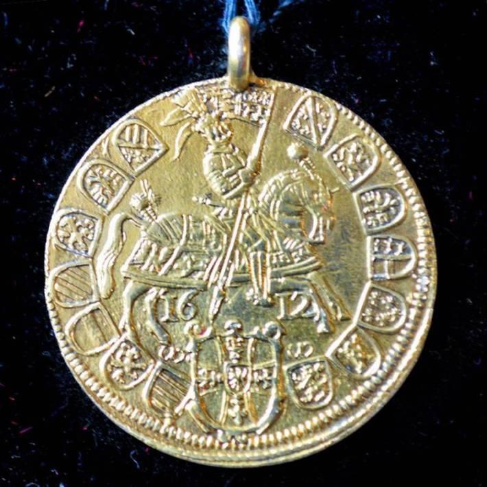 В Ужгородському замку відкрили нову виставку – артефакти розкопали ужнівці