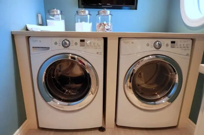 Organizing The Laundry Room Day 22
