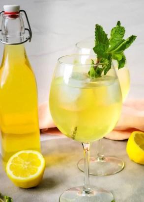 Limoncello Spritz
