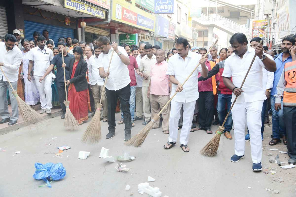 Keep our Hyderabad clean and green: Mayor