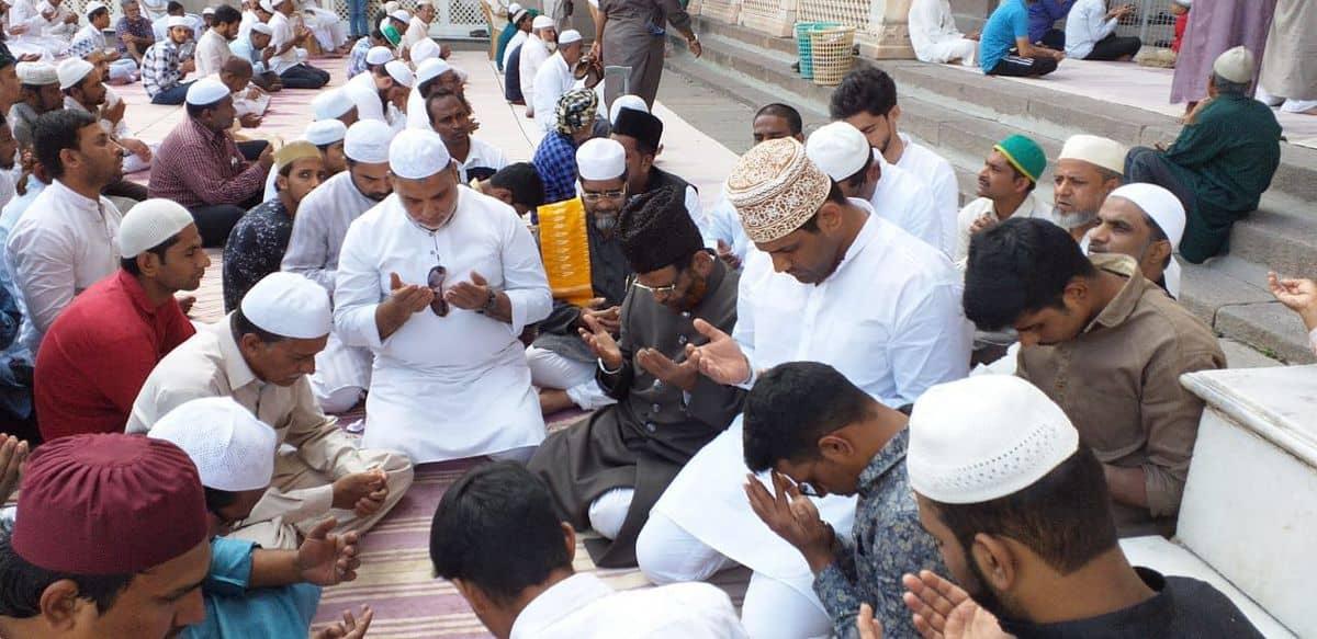 हैदराबाद में मुसलमान नहीं भेरेंगे एनपीआर,एनआरसी फॉर्म, दिलाई गई शपथ 1
