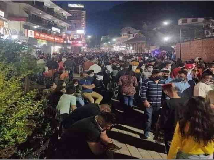 3rdWave trends on Twitter as photos of tourist crowd in Manali go viral