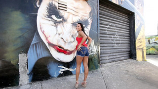 Gianna_Nicole_showing_off_her_round_juicy_ass_in_the_streets image