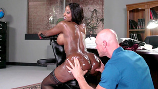 Diamond Jackson gets her big_ass massaged and worshipped image