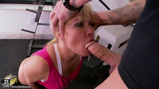 Blonde hottie Austin Taylor gets pounded_well image