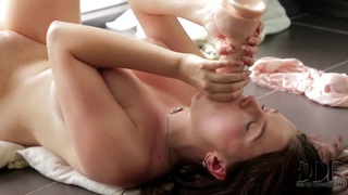 Marina Visconti spends time in masturbation image