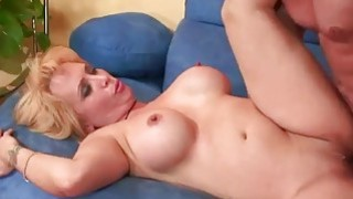 Mature blonde Sophia Mounds gets her_pussy filled image