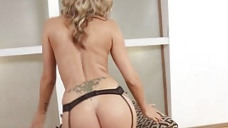 Image: Blonde Madison Ivy loves sex