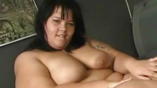 BBW smears cream on her fat_skin image