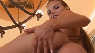 Teen beaute fingering her pinky pussy image