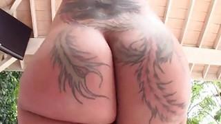 Big round ass Bella Bellz image