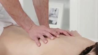 After footjob masseur fucks brunette image