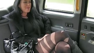Local escort gets ripped by fraud driver in the backseat image