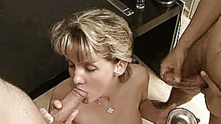 Image: Amateur Milf anal_threesome with cumshots