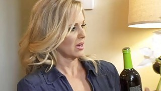 Mature MILF mom Julia Ann fucks a much younger guy image