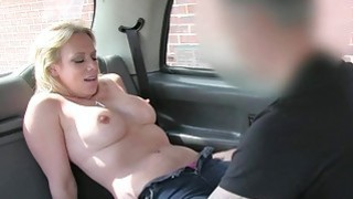 Cheating girl tries out anal sex in taxi image