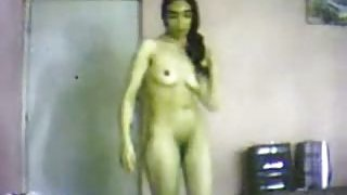 Sexy_Egyptian_gal_has_sexy_solo_show_in_her_room image