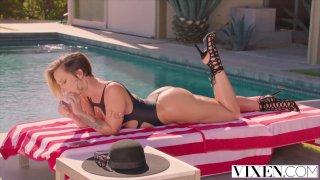 Jada Stevens gets high on dick image