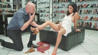 Monica Asis gets pussy licked by the shoe salesman Jmac image