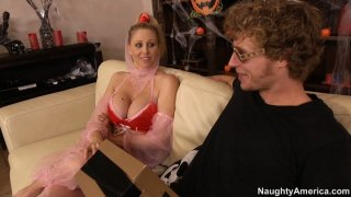 MAture blonde lady Julia Ann seduces stud by her arabic outfit image