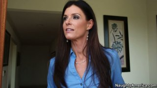 Naive milf India Summer is so easily fooled for sex image