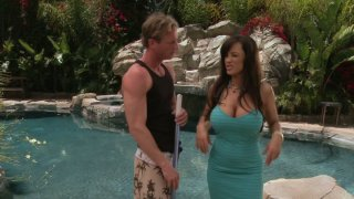 Dumb pool guy with six-pack has_to seduce fabulous_Lisa Ann image