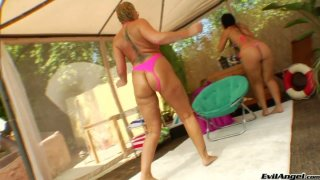 Bootylicious Flower Tucci and Luscious Lopez_find cock to complete threesome image