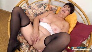 EuropeMaturE Libi Solo Fingering Masturbation image