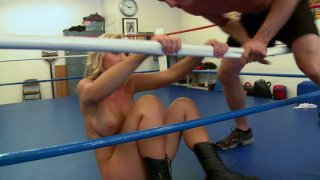 Jessica Lynn gives sucking job to one boxing guy image
