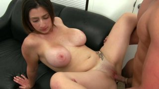 Image: Fluffy brunette Tiffany Cross makes her man to cum on her face