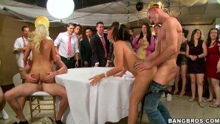 Cock sucking contest of Jamie Valentine, Veronica Rodriguez and Rikki_Six image