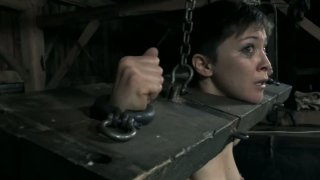 The guys from Infernal Restraints buil the freakiest cage for Mei Mara image