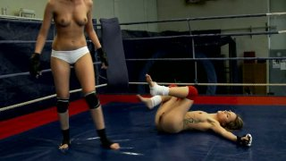 Image: Slim pale wrestler Leyla Black has a fight with horny bitch