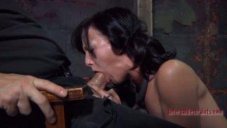 Blowjob time for submissive brunette hussy Elise Graves image
