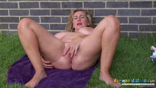 EuropeMaturE Camilla Solo Outdoor Performance image